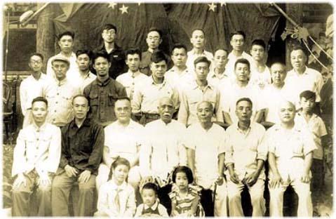 La imagen tiene un atributo ALT vacío; su nombre de archivo es maestros_chen.jpg